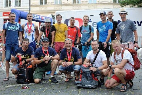 Hasiči na Ford CHALLENGE-PRAGUE triatlonu